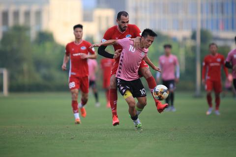 Văn Hậu đá chính, CLB Hà Nội thắng Viettel trước ngày V-League trở lại