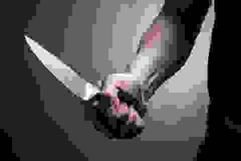 Bị tát khi can đánh nhau, gã trai đâm 3 người thương vong