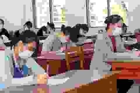 Thí sinh thi tốt nghiệp THPT đợt 2 bắt đầu làm bài môn Ngữ văn