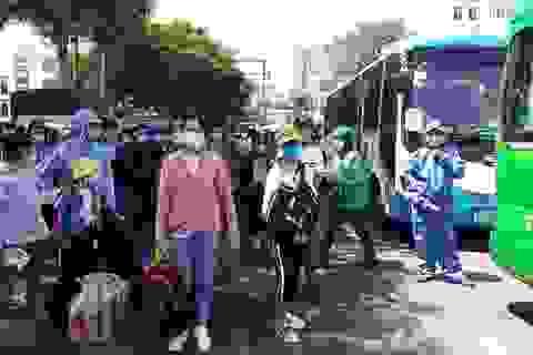 Quảng Bình điều động xe đưa 200 người từ Đà Nẵng về quê