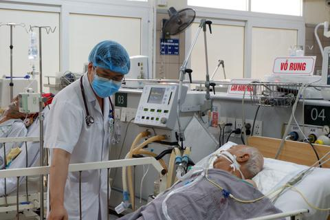 Hà Nội: 24 người có triệu chứng mệt mỏi sau ăn pate Minh Chay