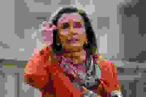 """Bà đầm thép Mỹ Nancy Pelosi lên tiếng chuyện """"bị gài bẫy"""" ở tiệm làm tóc"""