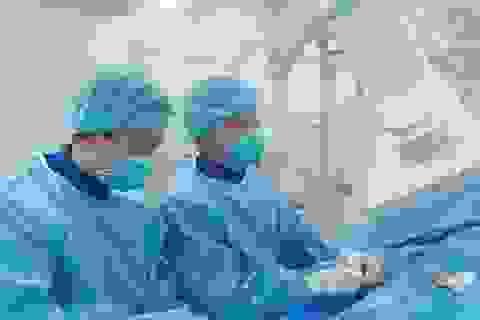 Nam bệnh nhân bị nhồi máu cơ tim cấp sau nhiều năm hút thuốc lá