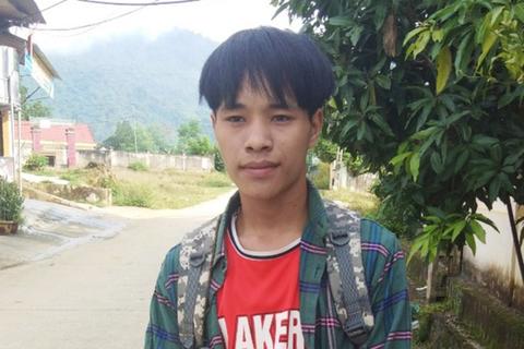 Mong ước vào đại học của cậu học trò Khơ mú nghèo đạt 29 điểm khối C