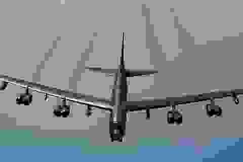 Nga điều 8 tiêm kích chặn 3 máy bay ném bom B-52 Mỹ gần Crimea