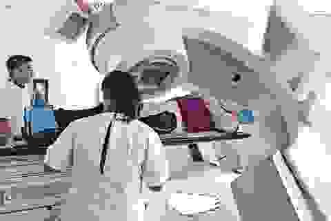 Không có khối u để cắt bỏ, bác sĩ điều trị ung thư máu như thế nào?