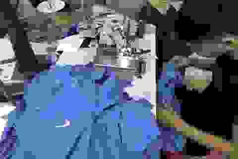 Một DN bị nghi làm giả hàng nghìn sản phẩm Adidas, Nike, Gucci, Lacoste