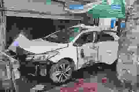 Thông tin thêm về vụ tai nạn 3 người văng ra khỏi ô tô