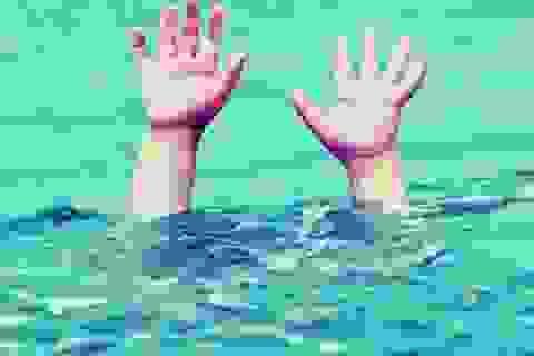 Đi tắm sông, 3 cháu nhỏ tử vong
