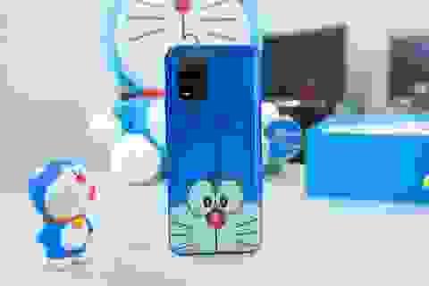 Cận cảnh chiếc smartphone phiên bản Doraemon đặc biệt tại Việt Nam
