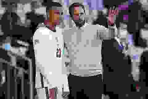 Greenwood và Foden bị đuổi khỏi đội tuyển Anh vì đưa gái lạ vào khách sạn