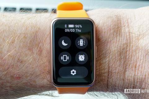 Huawei ra mắt đồng hồ giống Apple Watch tại IFA 2020