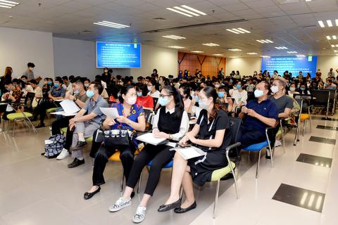 Điểm chuẩn vào trường ĐH Kinh tế quốc dân từ 25,6 - 28 điểm