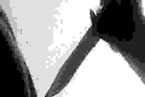 Đâm vợ trọng thương rồi tự tử