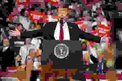 """Chiến dịch tranh cử đắt đỏ của ông Trump phải """"thắt lưng buộc bụng"""""""