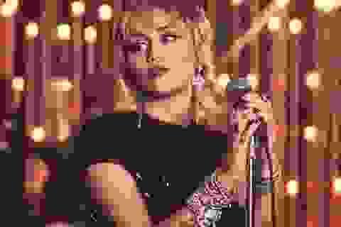 """Miley Cyrus ví chuyện tình 10 năm với Liam Hemsworth như """"chứng nghiện"""""""
