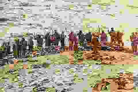 Lính Trung Quốc bị nghi mang giáo mác chạm trán binh sĩ Ấn Độ