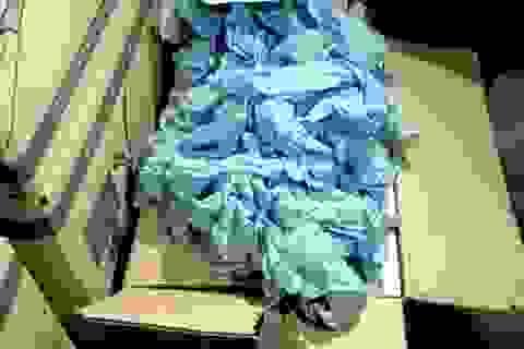 Phát hiện gần 4 triệu găng tay kém chất lượng trong nhà kho ở Sài Gòn