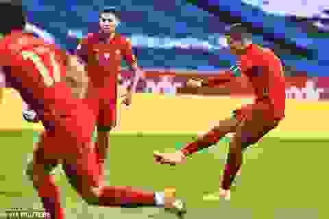 Huyền thoại Man Utd khẳng định Ronaldo đủ sức đá bóng đến năm 40 tuổi