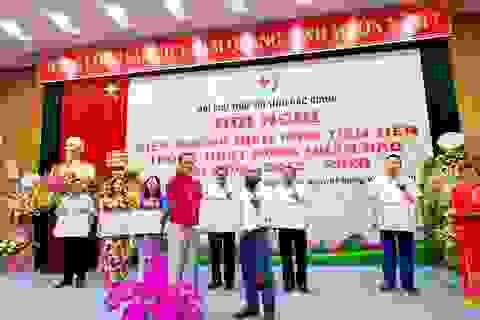 Hội Chữ thập đỏ Việt Nam tặng Bằng khen phóng viên Báo Dân trí
