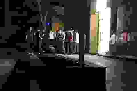 2 thi thể nằm dưới chân tòa chung cư ở Hà Nội