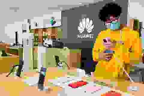 """Huawei đã sẵn sàng cho """"tương lai ảm đạm"""" trên thị trường smartphone"""