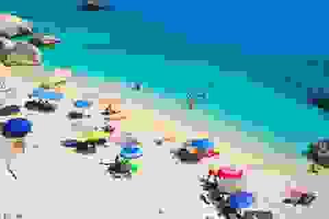 Lấy trộm cát trên bãi biển, du khách bị phạt 1.200 USD