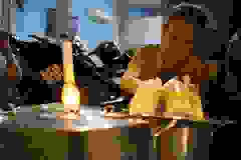 Cụ bà, nồi chè và gần 50 năm tuổi nghề nơi vỉa hè Sài Gòn