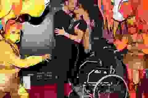 Katie Price đi xe lăn dự sự kiện cùng bồ trẻ