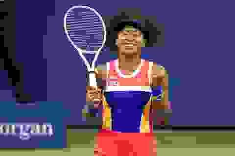 US Open 2020: Osaka tranh cúp vô địch với Azarenka