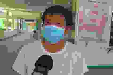 Bệnh nhân mắc Covid-19 vui mừng trong ngày ra viện