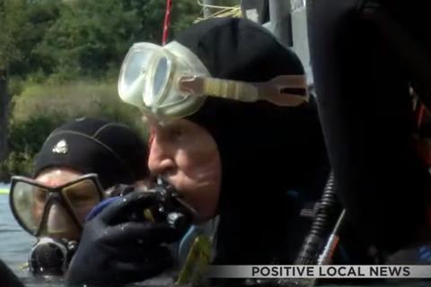 Cụ ông 100 tuổi lập kỷ lục thợ lặn già nhất thế giới