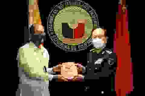 Trung Quốc hứa viện trợ thiết bị trị giá 20 triệu USD cho Philippines