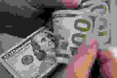 """Bị Covid-19 """"càn quét"""", kinh tế Mỹ khó phục hồi hoàn toàn trước năm 2022"""