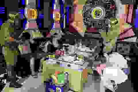 Đột kích quán karaoke, phát hiện nhiều khách chơi dương tính với ma túy