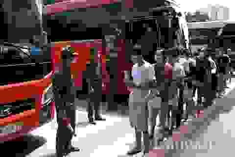 Trao trả 113 công dân Trung Quốc nhập cảnh và cư trú trái phép