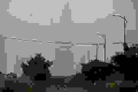 Sương mù dày đặc bao phủ Sài Gòn từ sáng đến trưa