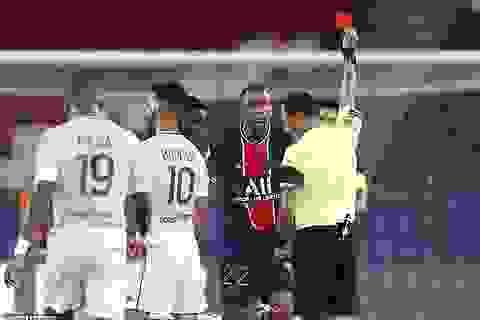 Diallo nhận thẻ đỏ, PSG may mắn giành chiến thắng phút bù giờ