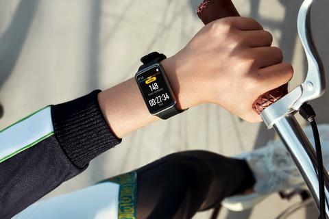 Huawei Watch Fit với tính năng HLV ảo ra mắt tại Việt Nam