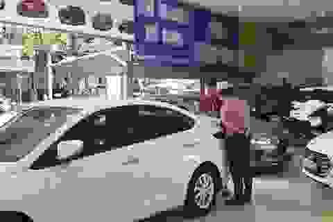 Đủ chiêu trò lừa mua ô tô cũ giá cao
