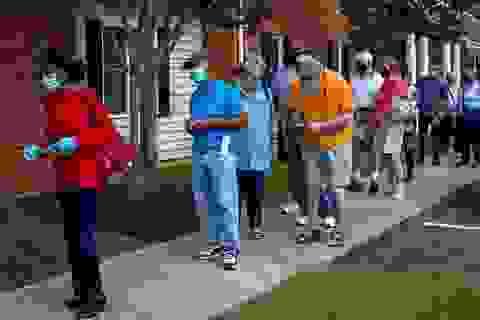 Cử tri tại 4 bang bắt đầu bỏ phiếu sớm bầu tổng thống Mỹ