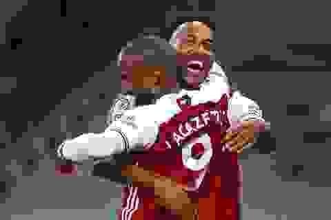 Arsenal vượt qua West Ham nhờ bàn thắng muộn
