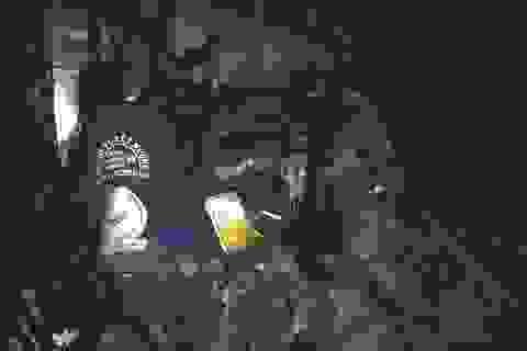 Xe tải tông đuôi xe đầu kéo, cả tài xế và phụ xe tử vong trong cabin