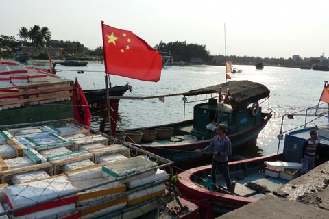"""Mỹ lên án đội tàu cá """"săn mồi"""" khổng lồ của Trung Quốc"""