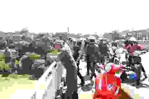 Một buổi sáng hai người nghi tự tử trên cùng một cây cầu