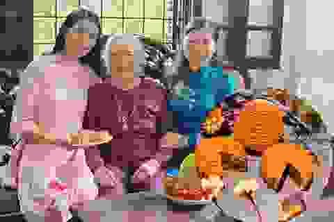 """Hoa hậu Ngọc Hân hướng dẫn làm bánh Trung thu """"bất bại"""" mà đơn giản vô cùng"""
