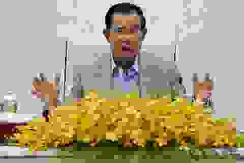 """Thủ tướng Campuchia chỉ trích """"tiêu chuẩn kép"""" của phương Tây"""