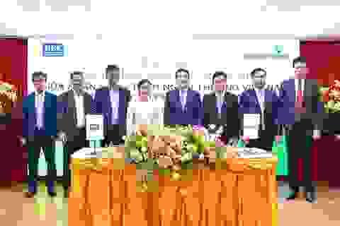 Vietcombank-REE ký thỏa thuận hợp tác toàn diện,hợp đồng tài trợ Dự án nhà máy điện gió số 3