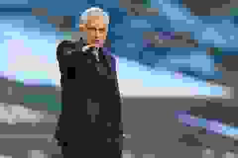 Mourinho lọt top huấn luyện viên dễ bị sa thải nhất Premier League