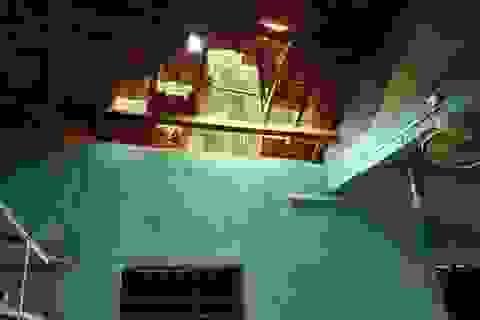 Vụ trường học sắp sập ở Nghệ An: Sau cơn bão, mái ngói bị sập hàng loạt